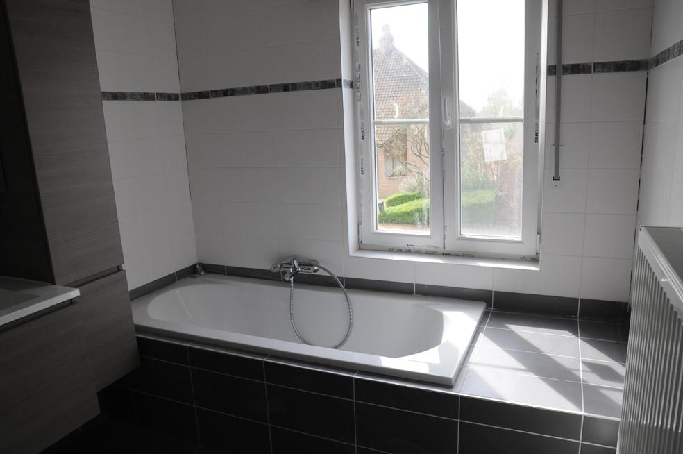 Bouw droomhuis wendy bart - Badkamer onder het dak ...