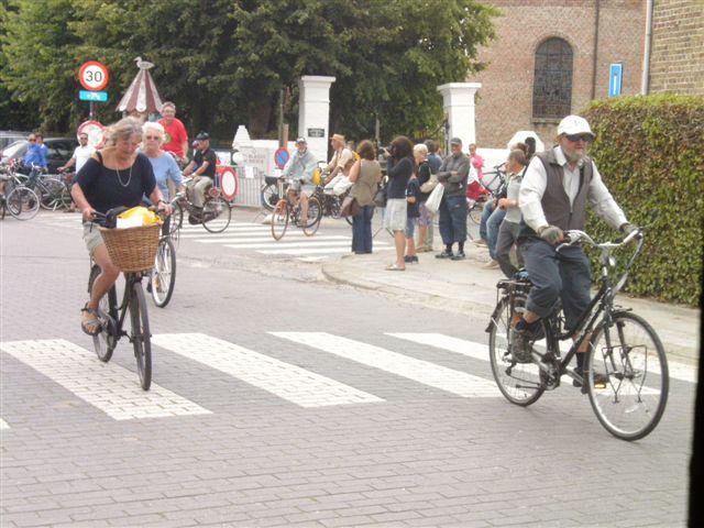hier moet je rechtdoor fietsen