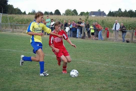 overtreding schoppen voetbal gif