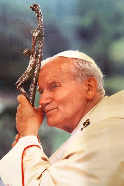 paus wijdt getrouwde diakens tot priester