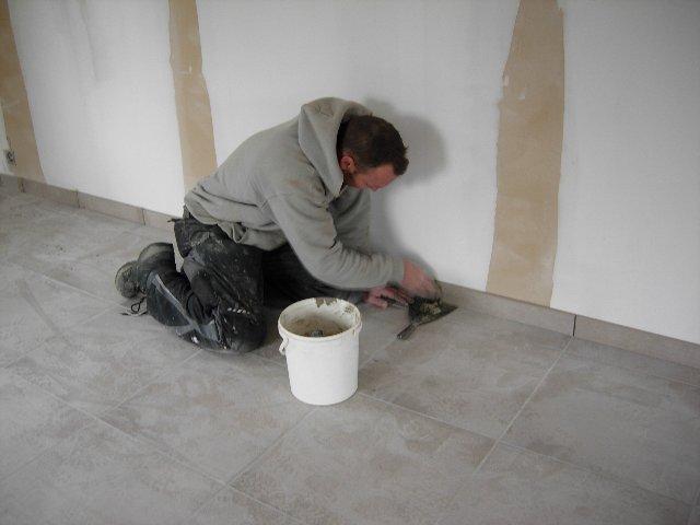 Plinten voegen cement